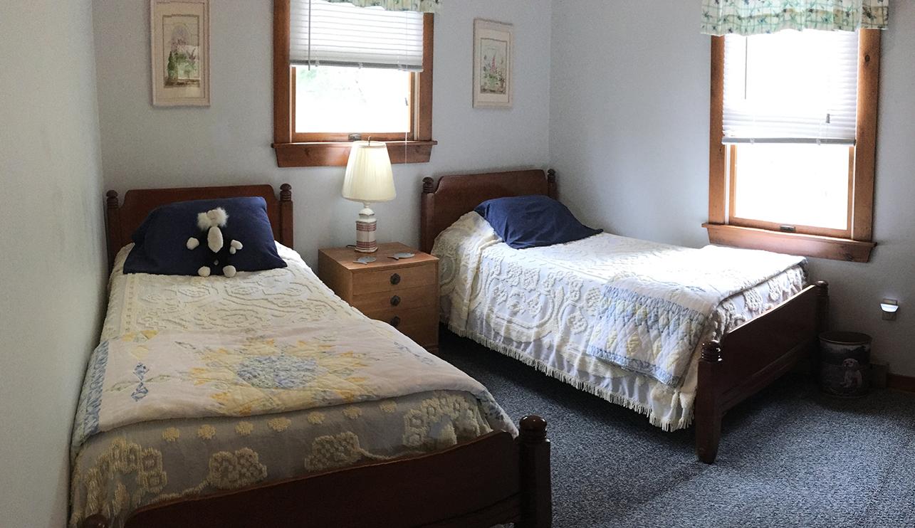 Twin Bedroom - 2nd floor