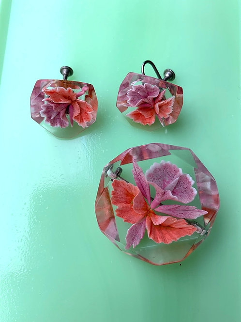 1950s Lucite Flower Set