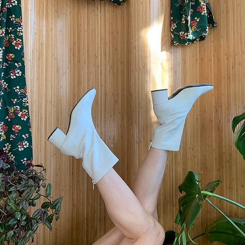 90s does 70s White GoGo Boots