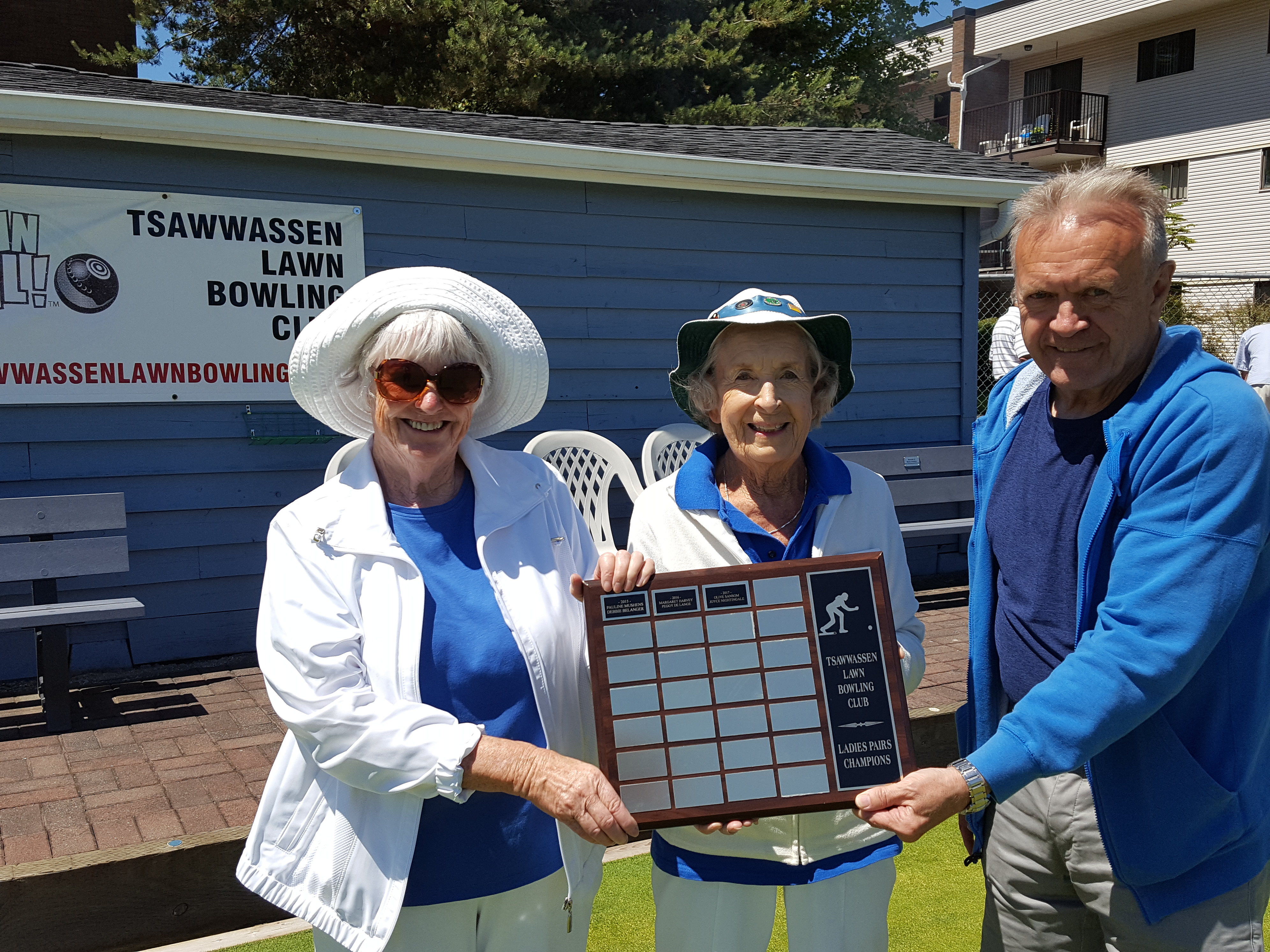 Champions; Gayle, Olive, trophy presented by Ralph