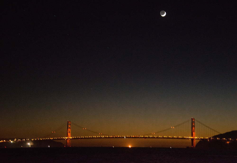GG Bridge  Moon_1.jpg