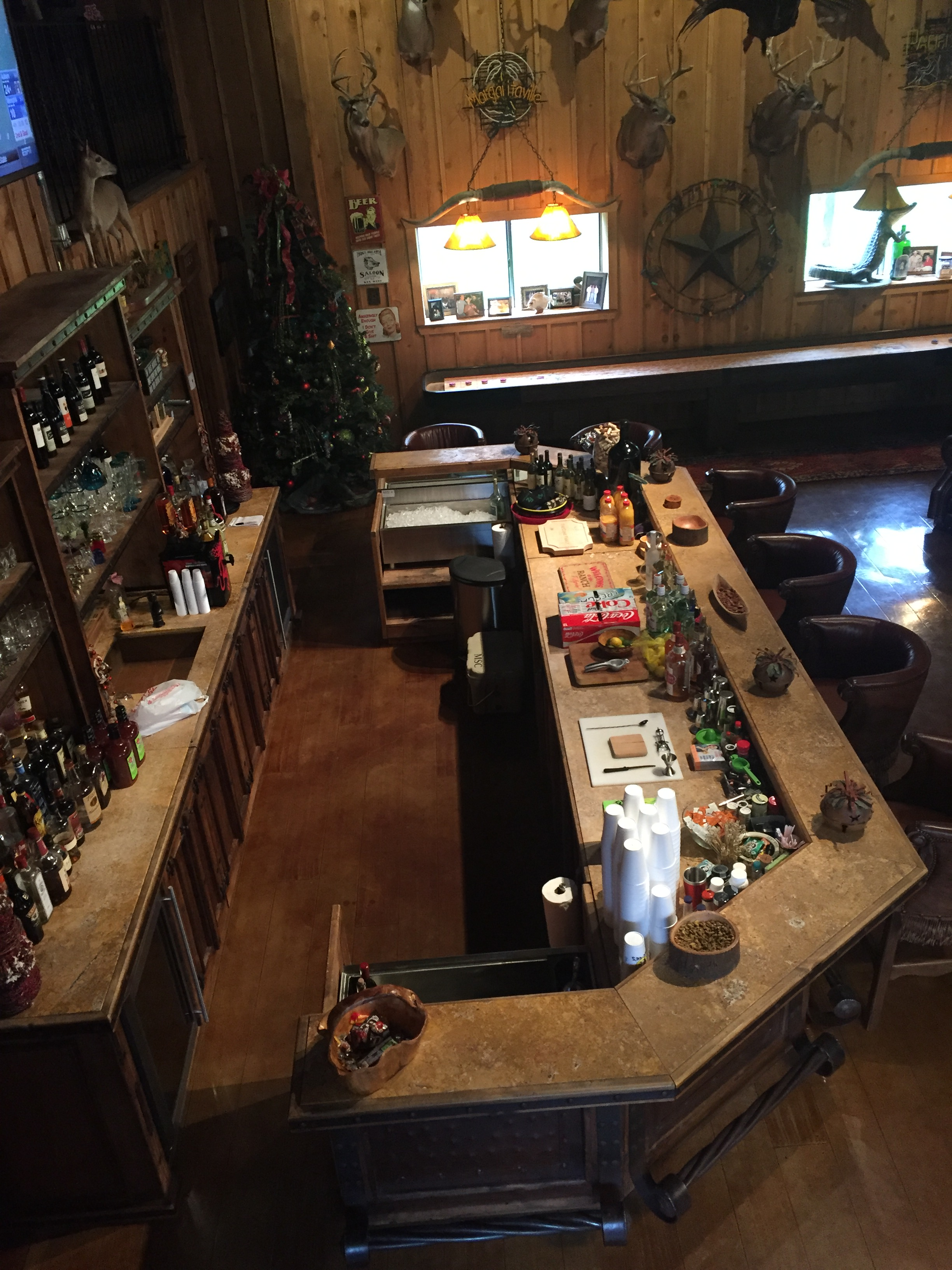 Saloon Bar 6
