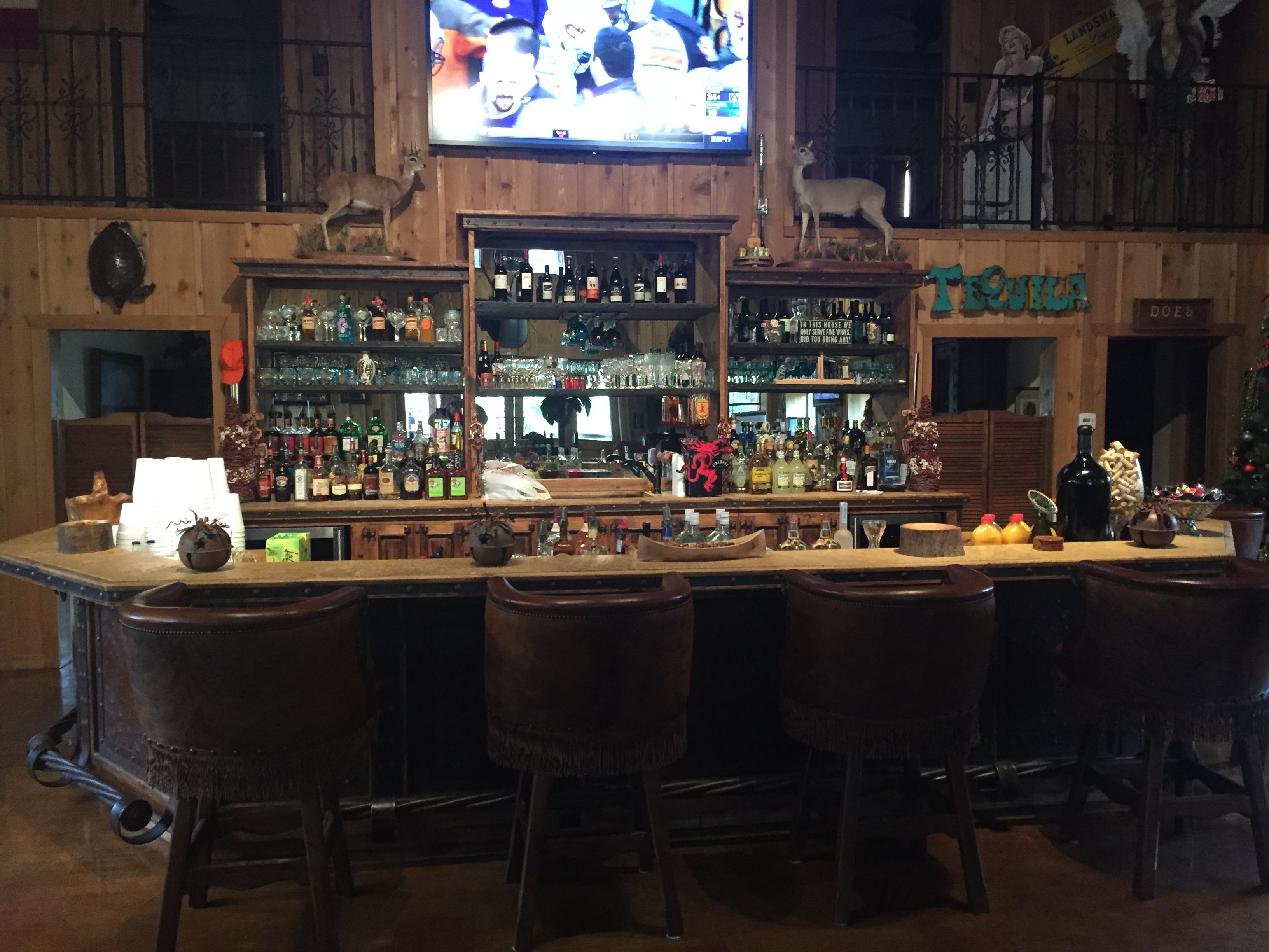 Saloon Bar 2