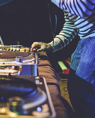 DJ in Party