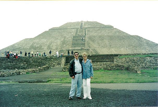 2001_Teotihuacan.jpg