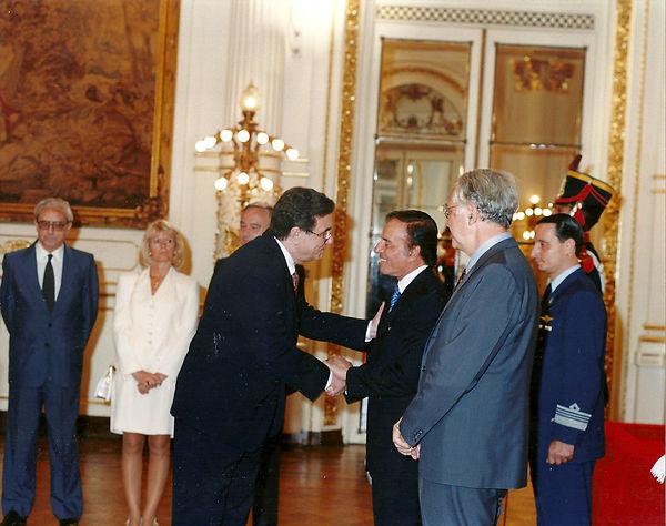 1994_cumprimento ao presidente Menem.jpg