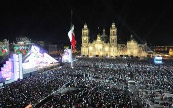 zocalo-grito-independencia2.jpg