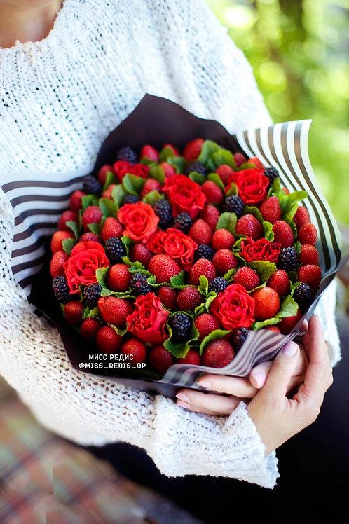Ягодный с розой