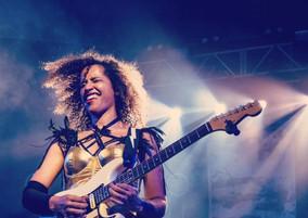 jackie-venson-guitar.jpg