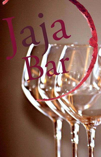 Boire du vin à Avoriaz