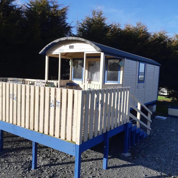 Shepherds Hut exterior.jpg