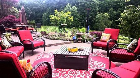 Outdoor seating 1.jpg