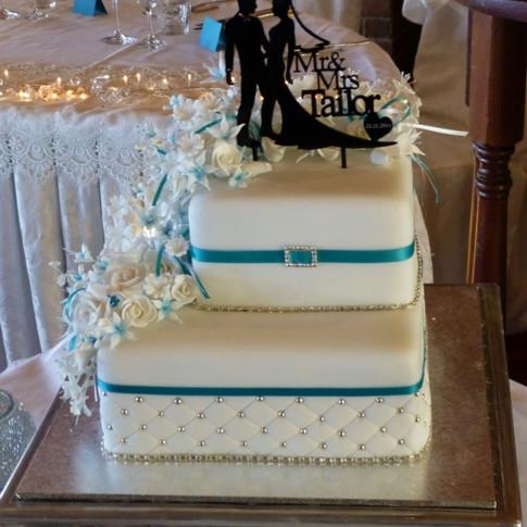Ann's Unique Cakes Wedding Cake