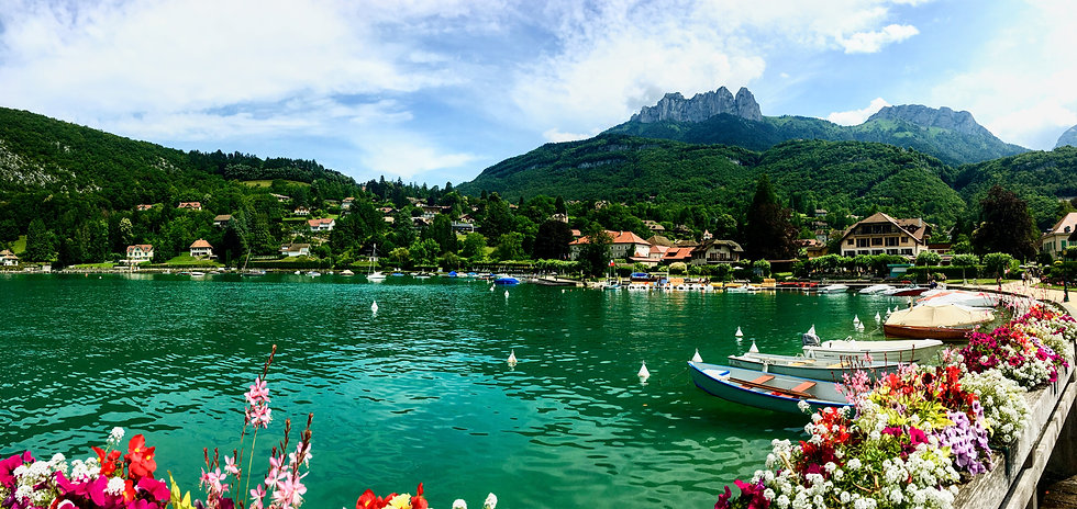 Cycling around the breathtaking Lake Annecy in the Rhone-Alps with Breakaway Cycle Tours