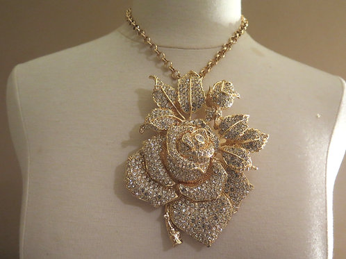 'Queen Mother' Rose Necklace