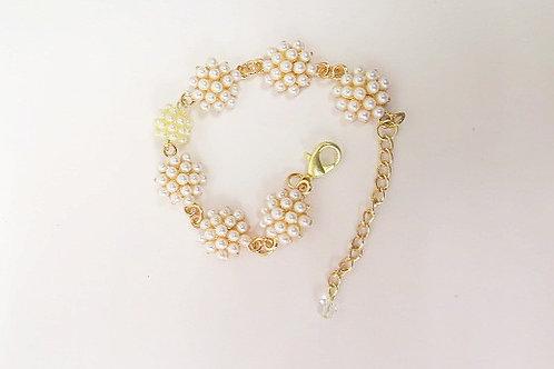 Leona Pearl Bracelet