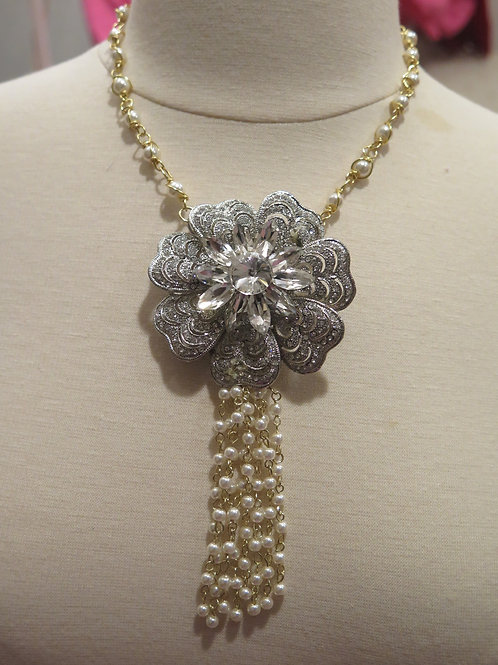 'Princess' Pearl Floral Necklace
