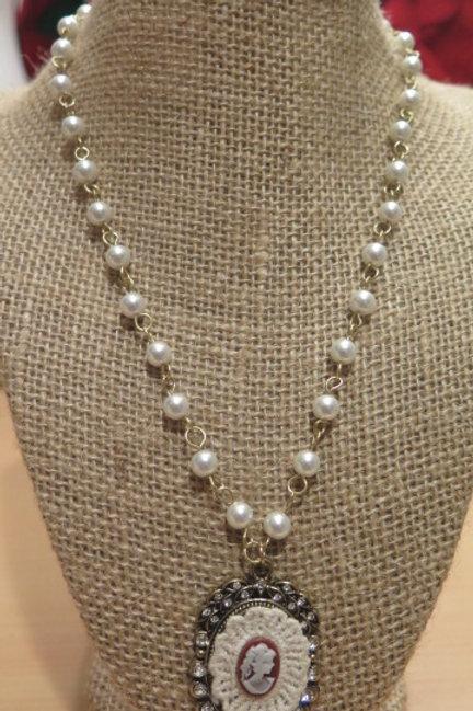 """""""Parisien"""" Pearl Necklace"""