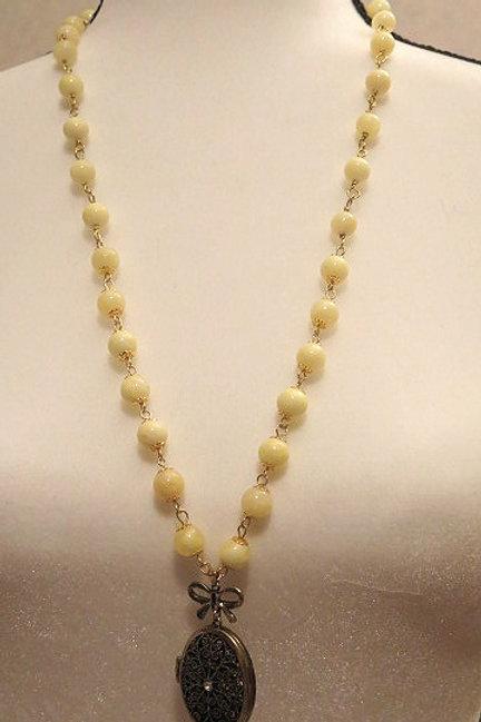 """""""Leona"""" Yellow Necklace"""