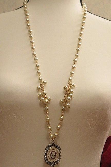 Parisien Pearl Necklace