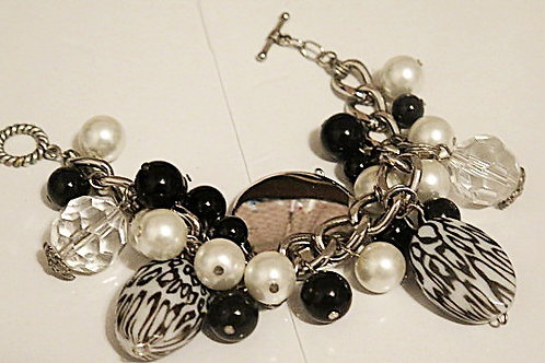 "Black and white  ""Reina"" Chunky Bracelet"