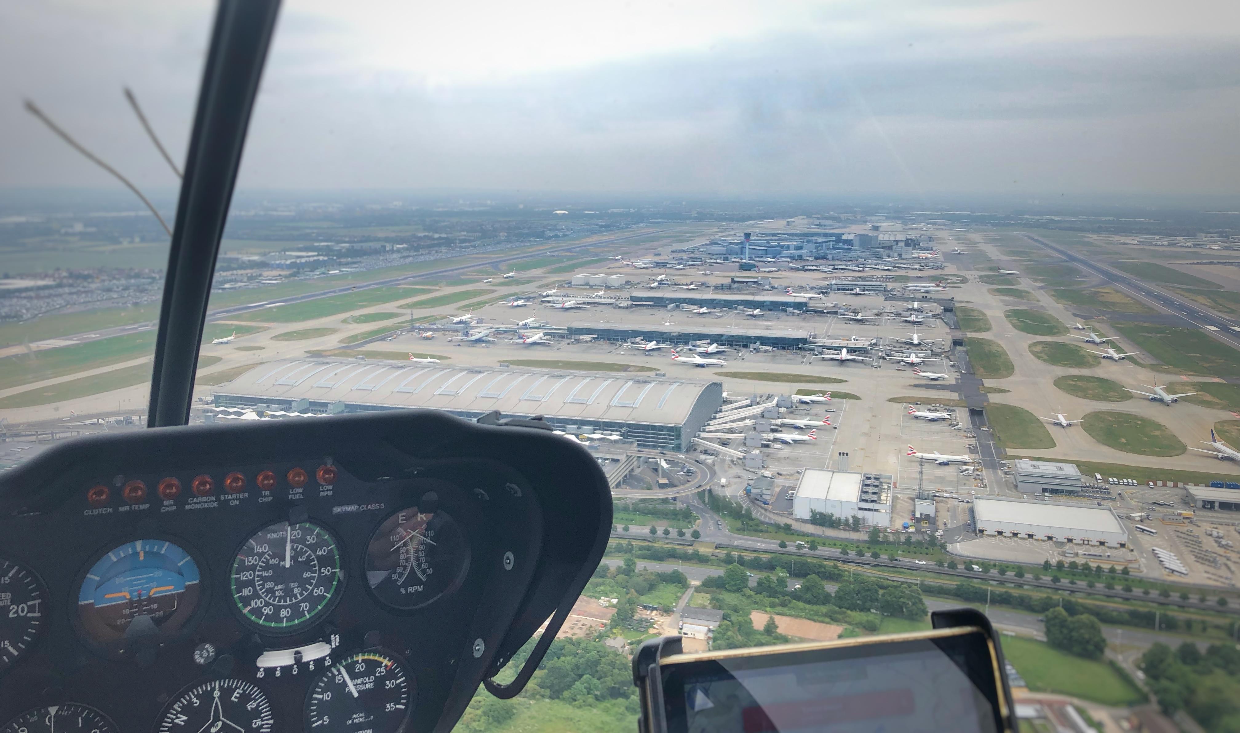 Heathrow 09 crossing