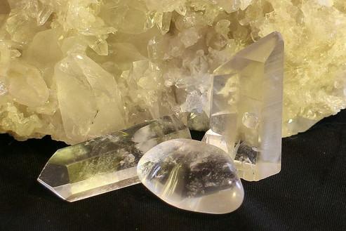 rock-crystal-238133__480.jpg