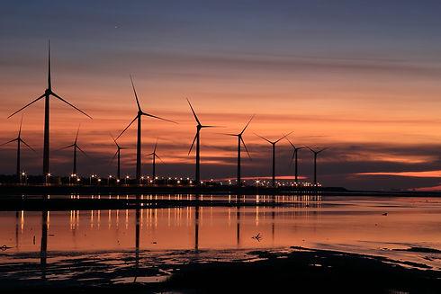 dawn-dusk-silhouette-157040.jpg
