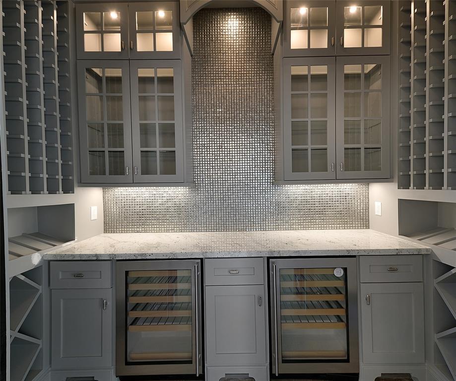 Montgomery Home Decorator