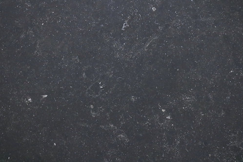 Petite Noir Honed