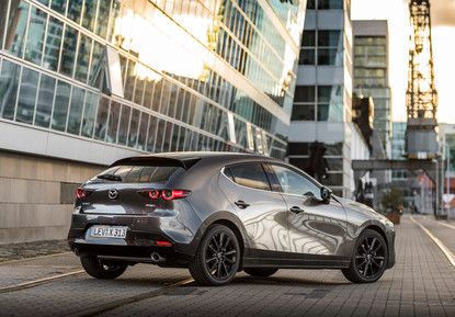 2021 Mazda3 Machine Grey, Static 09.jpg