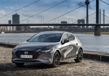 2021 Mazda3 Machine Grey, Static 05.jpg