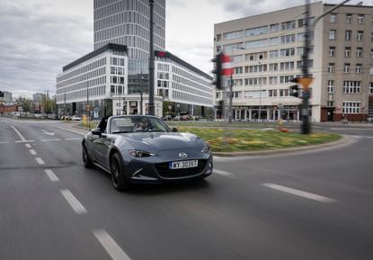 2021_Mazda_MX-5_Poland_act_7.jpg