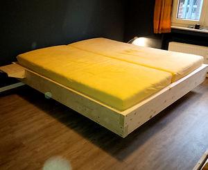 Schwebendes Bett I.jpg