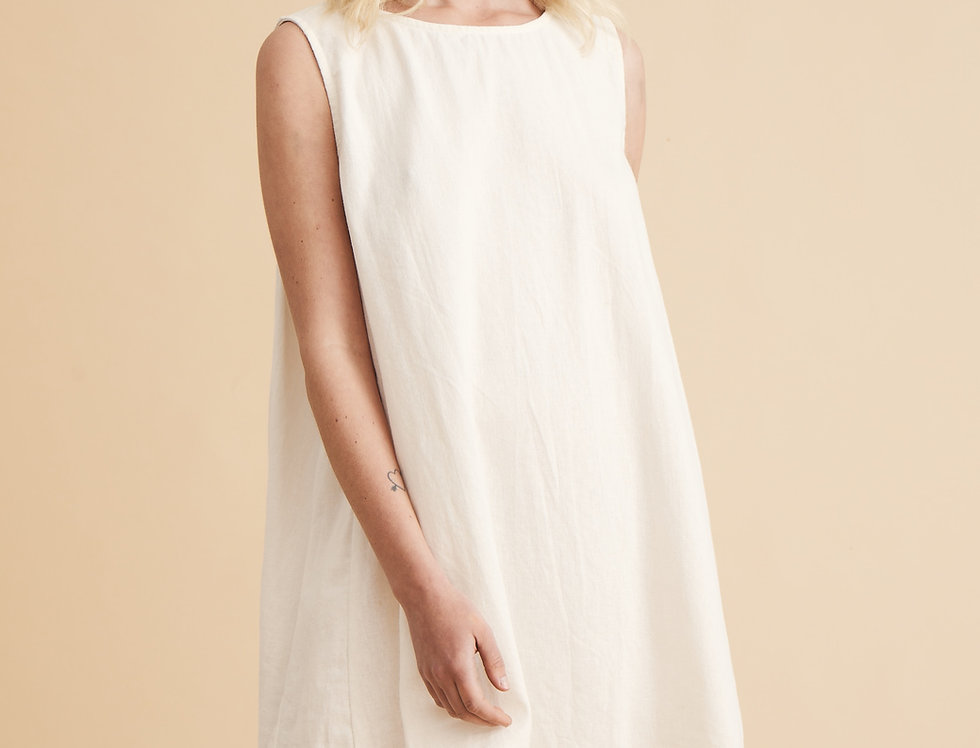Classic Linen Shift Dress