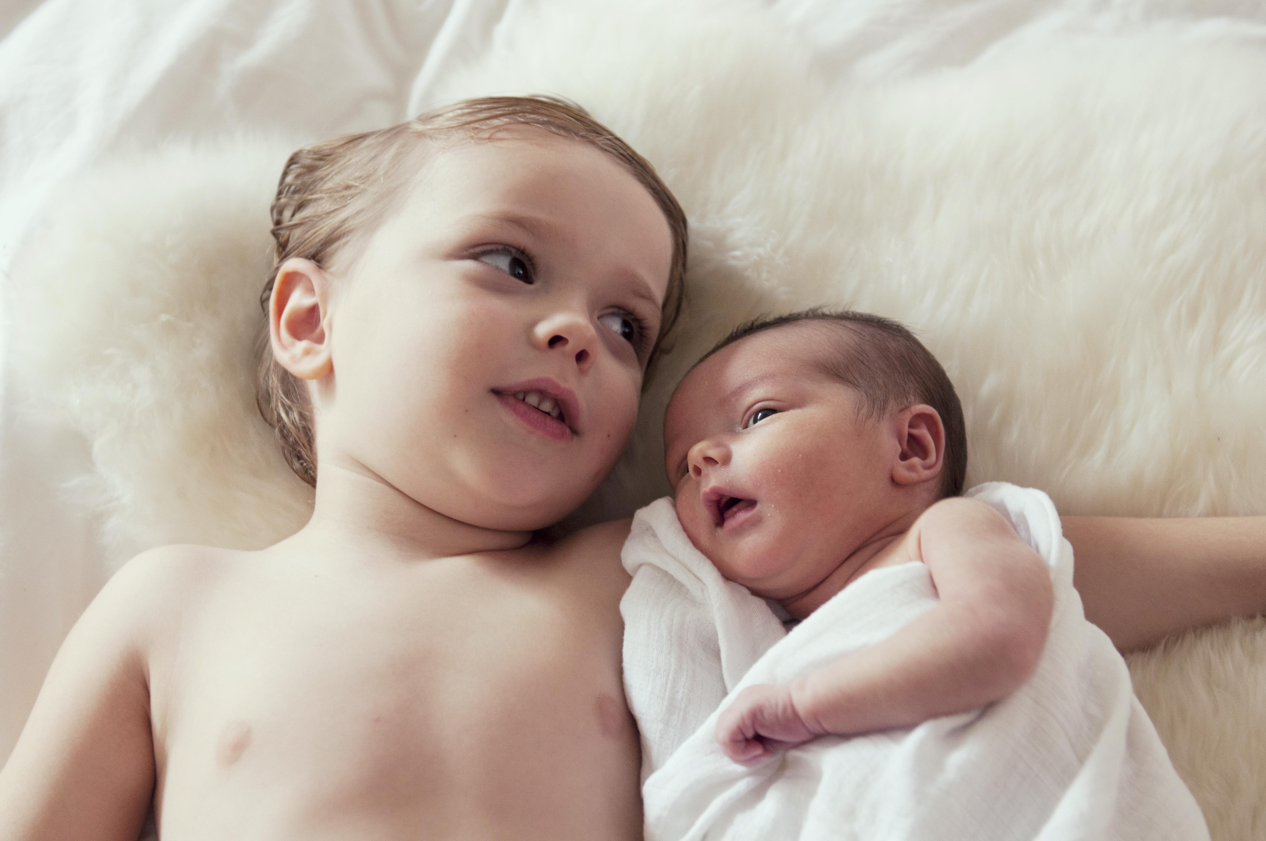 赤ちゃんの兄弟