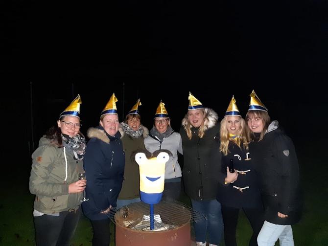 Der Karnevalsverein trifft sich zum Fratzenmann verbrennen