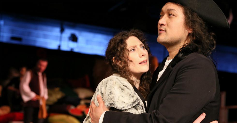 Minseok Kim und Sarah Jones
