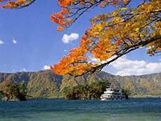 4.八甲田連峰から奥入瀬十和田湖周遊コース