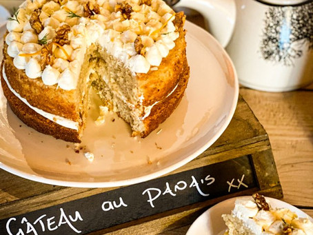 Easy parsnip cake with orange cream.