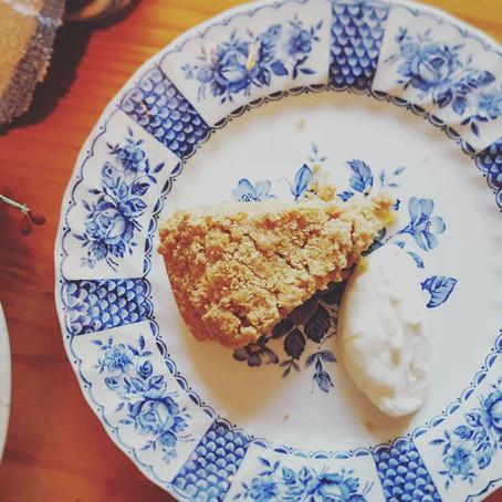 Rhubarb crumble tart!