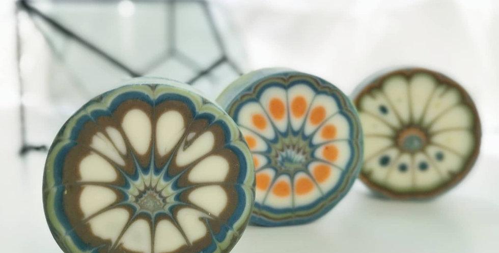 保濕修護皂(圓形幾何圖渲染)-90g