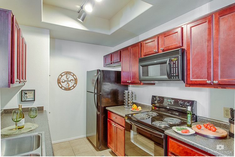 Condo fully equipped kitchen