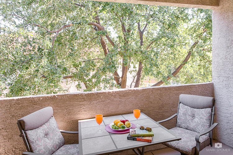 vacation-homes-in-phoenix-balcony