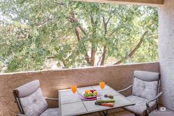 vacation-homes-in-phoenix-balcony