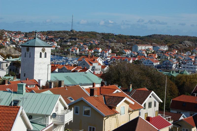 Marstrand utsikt over byn.jpg