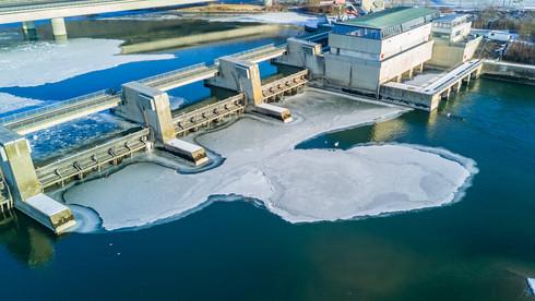 Laufwasserkraftwerk Regensburg mit Staustufe