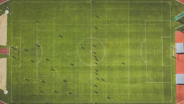 Der Ankick beim Heimspiel des Rugby Club Regensburg 2000