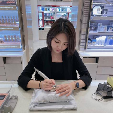 Vancouver Calligrapher_ Vivien