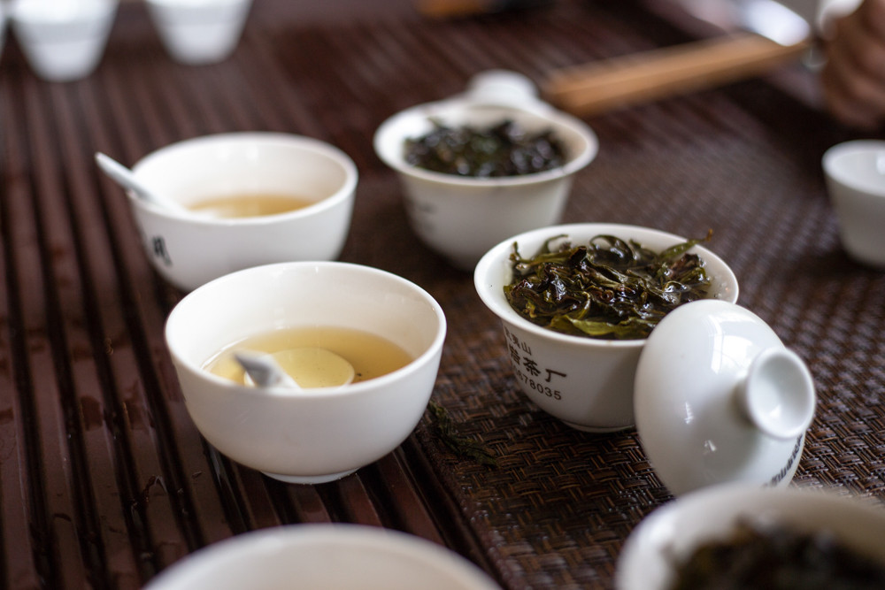 טעימות תה אולונג כהה